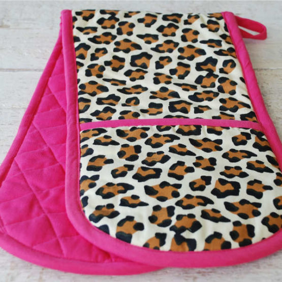 Double Oven Gloves Pink Leopard
